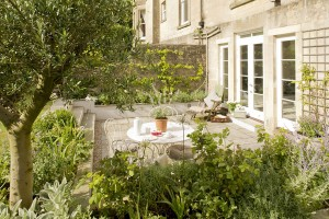french vintage style garden design in bath